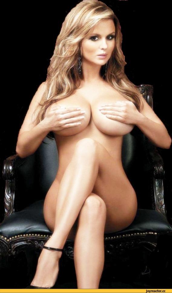 Обнаженная грудь Анны Семенович